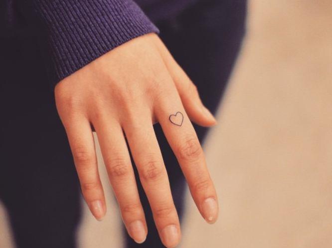 tatuaje pequeño corazón