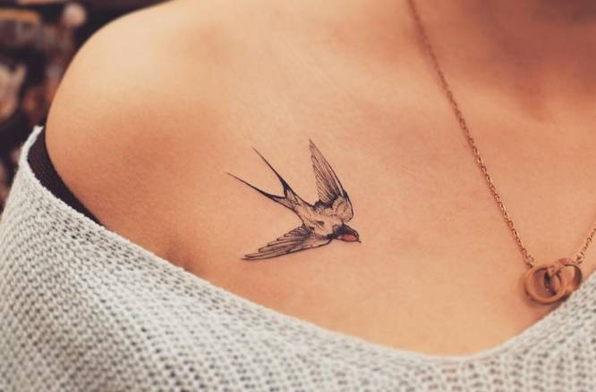 tatuaje pequeño golondrina