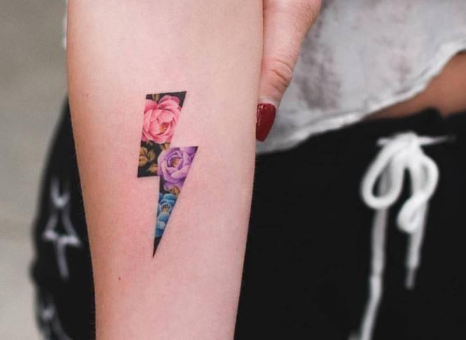 tatuaje pequeño rayo