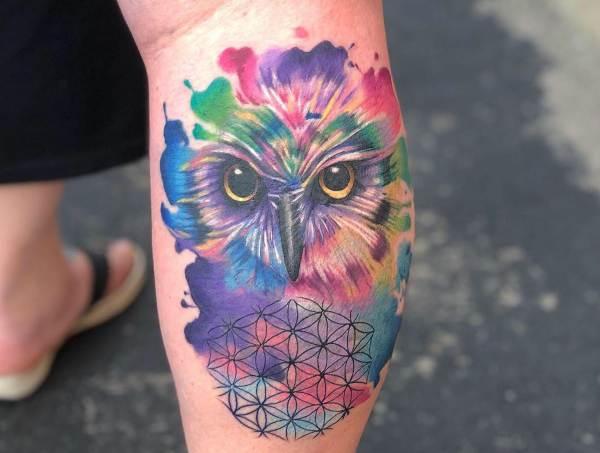 tatuaje acuarela búho