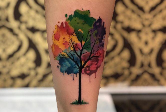 tatuaje arbol acuarela