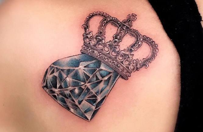 tatuaje diamante corona