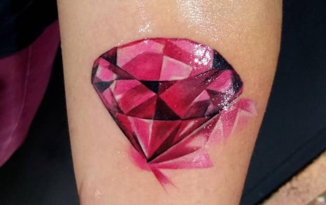 tatuaje diamante rosa