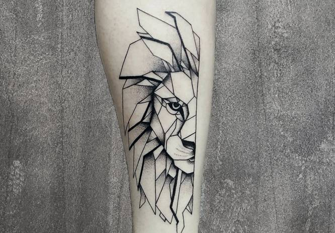 tatuaje geometrico leon