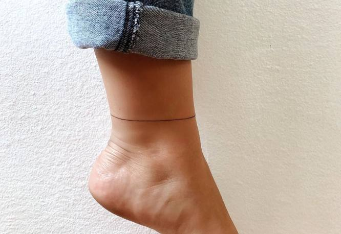 tatuaje minimalista pulsera