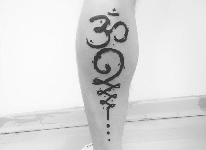 tatuaje om unalome