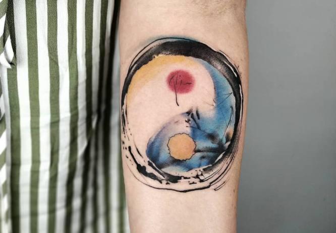 tatuaje yin yang mujer