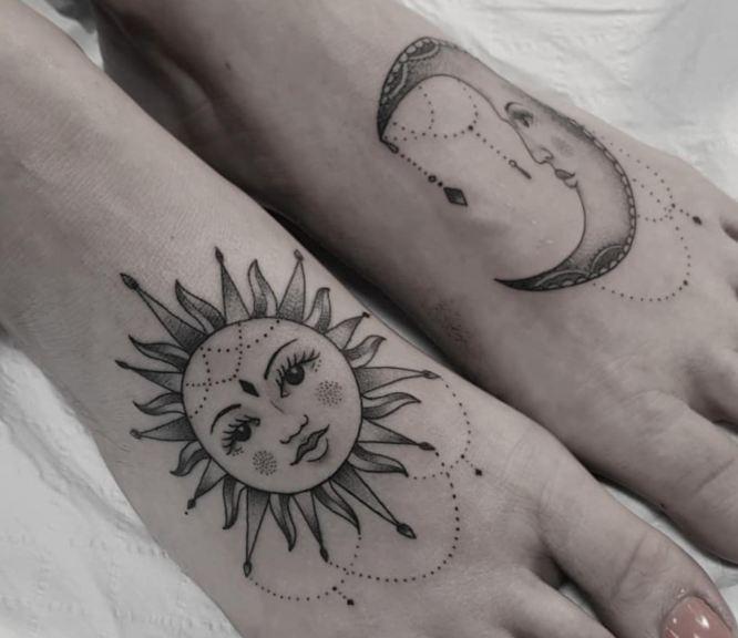tatuaje sol luna pies
