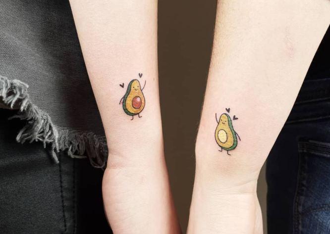 tatuajes hermanas aguacate