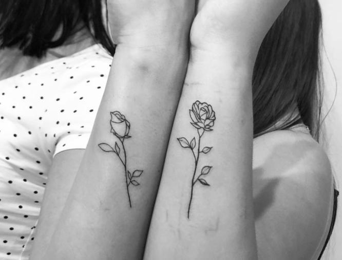 tatuajes hermanas rosas