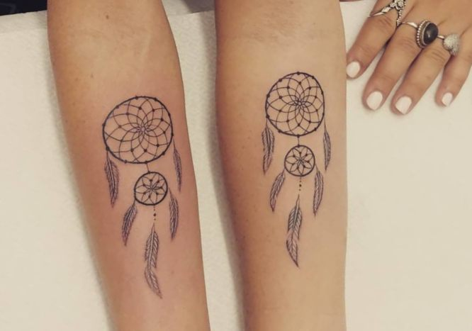 tatuajes madre hija atrapasueños