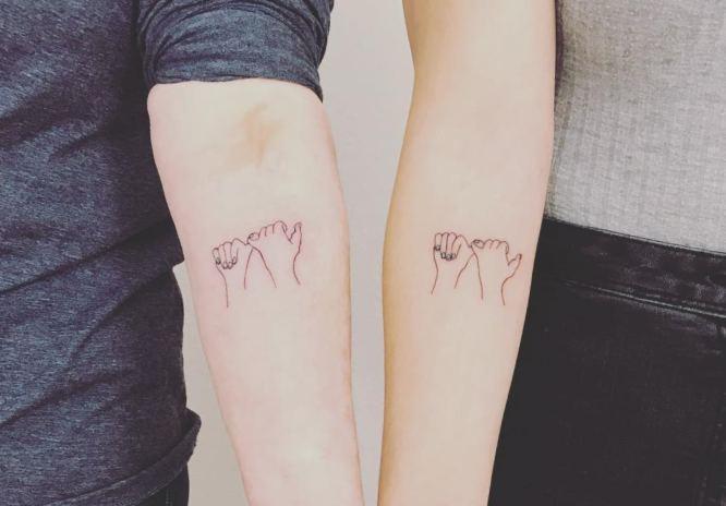 tatuajes madre hija meñique
