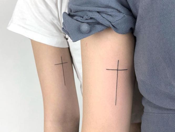 tatuajes pareja cruz