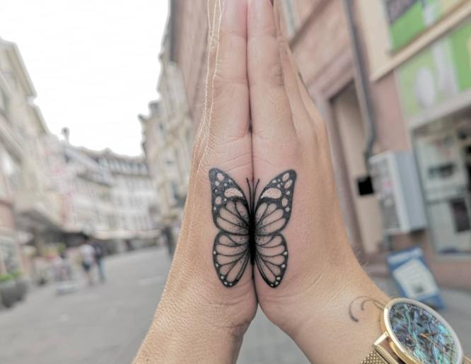 tatuajes pareja mariposa
