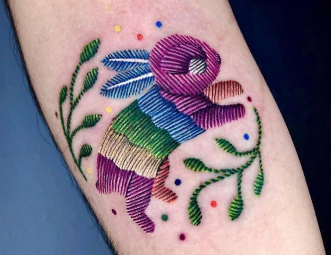 tatuaje bordado conejo