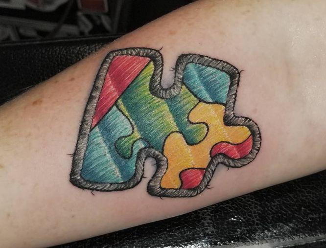tatuaje bordado de puzzle