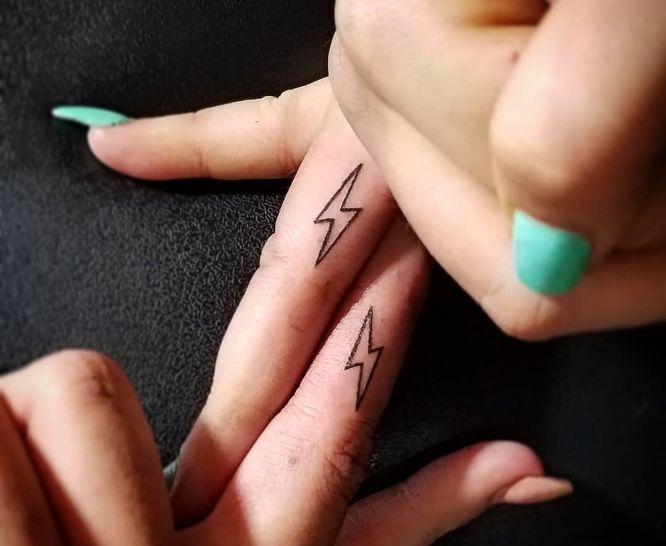 tatuajes amigas rayos