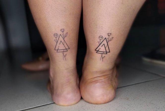 tatuajes amigas triangulo