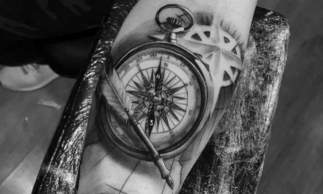 diseños tatuajes de brujulas