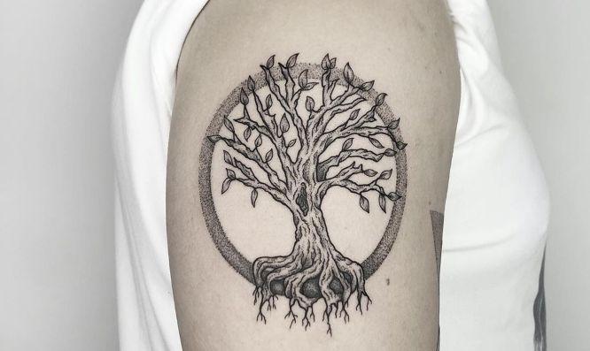 tatuaje arbol de la vida hombre puntillismo
