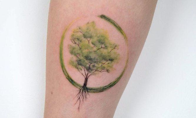 tatuaje arbol de la vida minimalista color