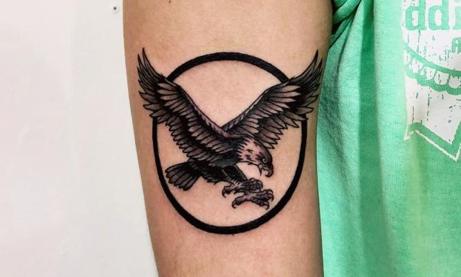 tatuajes aguila pequeña