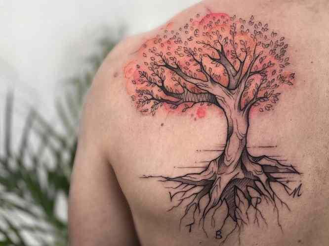 tatuajes arbol de la vida iniciales