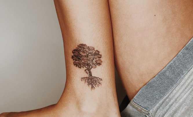 tatuajes arbol de la vida tobillo