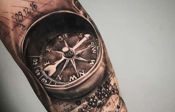 tatuajes brujula realista brazo