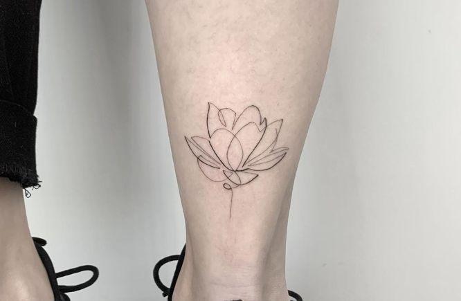 tatuajes de flores flor de loto