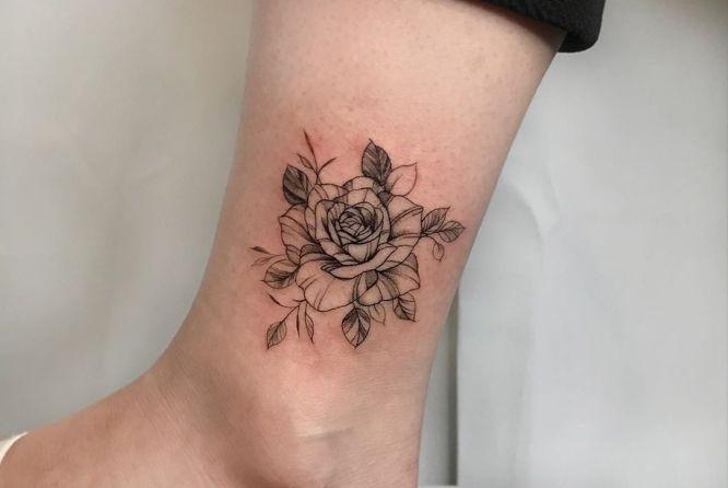 tatuajes de flores rosas