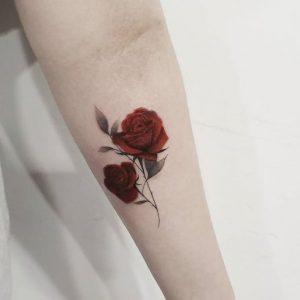 Tatuajes de Rosas: sus Significados, Diseños e Ideas