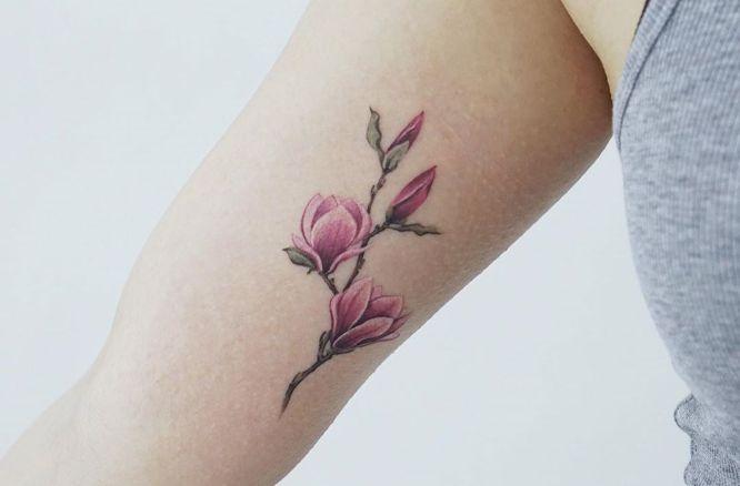 tatuajes flores brazo