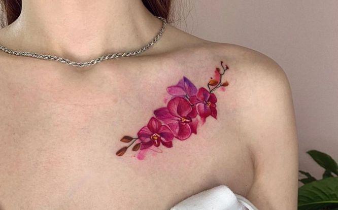 tatuajes flores hombro