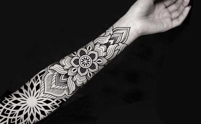 tatuajes mandalas brazo
