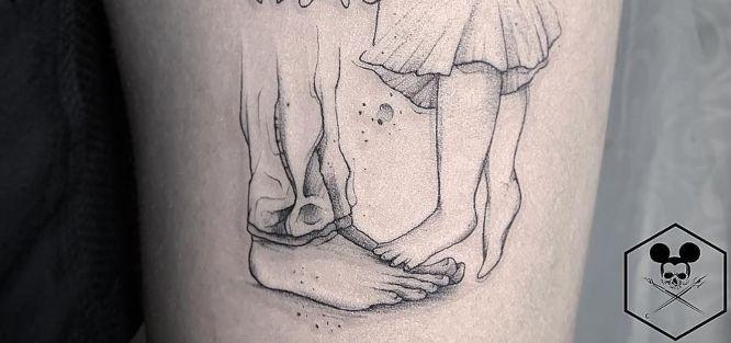 tatuajes padre e hija pequeños pies