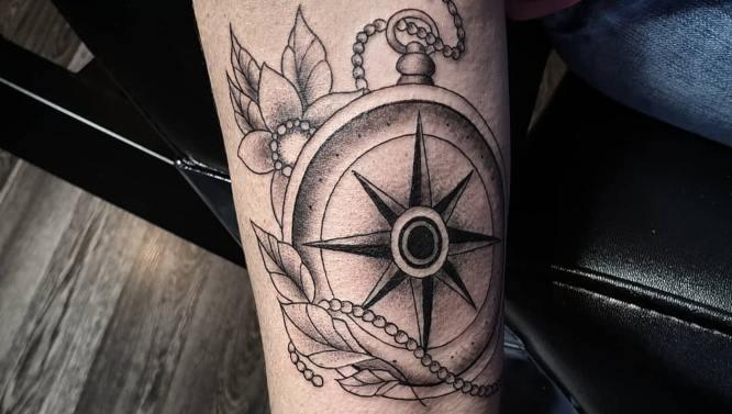 tatuajes rosa de los vientos antigua