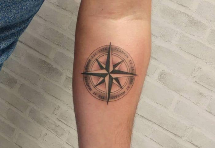 tatuajes rosa de los vientos
