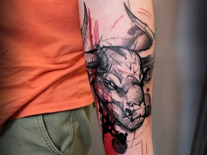 tatuajes toro antebrazo