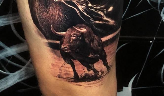 tatuajes toros hombre