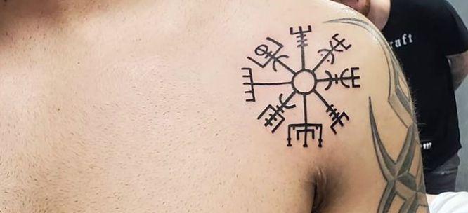 tatuajes vikingos runasvegvisir-2