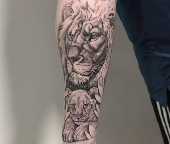 tatuajes antebrazo animales leon hombre