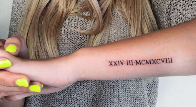 tatuajes antebrazo exterior fecha romana
