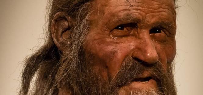 Ötzi primer humano tatuado