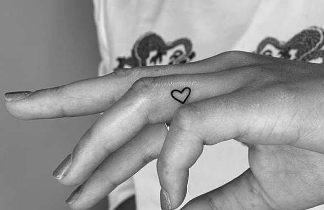 tatuajes mujer minimalista corazon