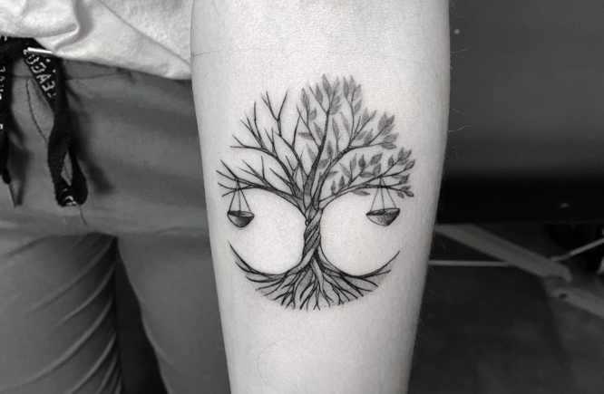 tatuajes mujer pequeño arbol de la vida