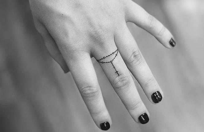 tatuajes rosario pequeño