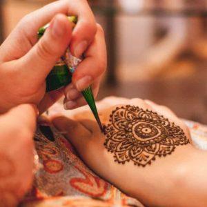 ¿Cómo hacer tu propio tatuaje de henna en casa?